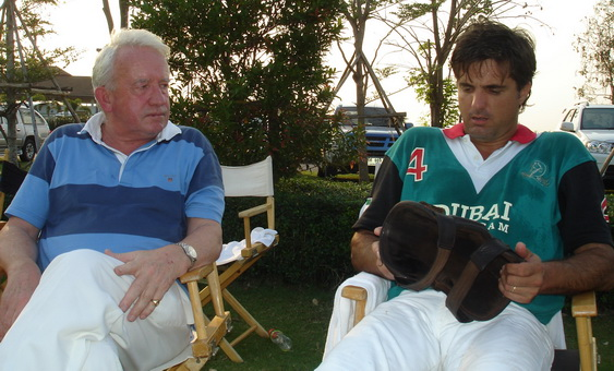 Paul Belcher having a word with SPP polo manager Gustavo.